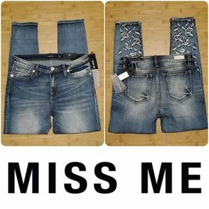 NWT Miss Me floral embroidered denim jeans